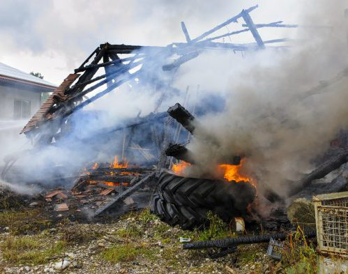 old farm house burns down with fire